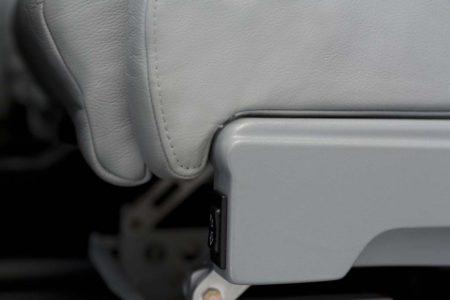 Tecnam P2006T: Asientos de cuero con elevación eléctrica